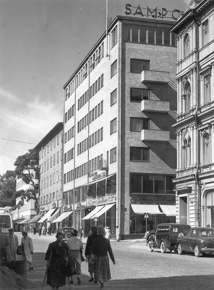 The extension was designed by Bryggman in 1951–53, Sampo House