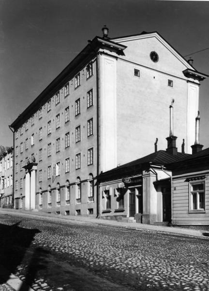 After completion, viewed from Yliopistonkatu street, Brahenkatu 9 Apartment Building