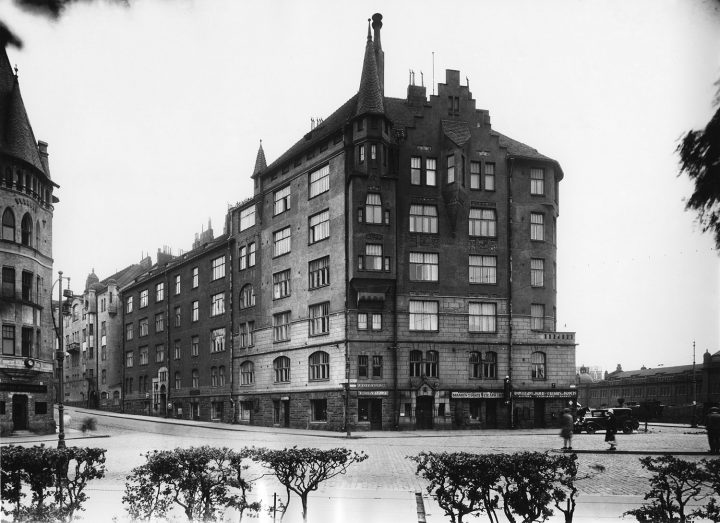 The building photographed in 1929, Aeolus House