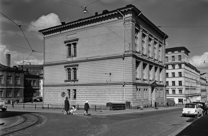 The building photographed from Kasarmikatu in 1961, Museum of Finnish Architecture