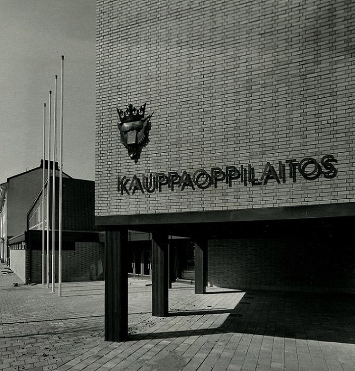 The main façade, Pori Commercial School