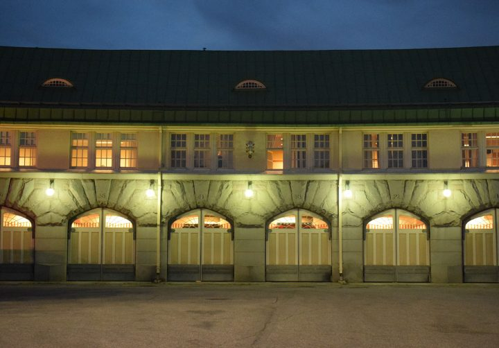 Originally the garage was designed for horse-drawn fire fighting engines , Tampere Central Fire Station