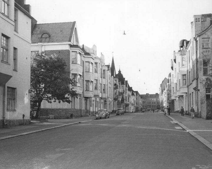 Street view in 1955, Huvilakatu Area