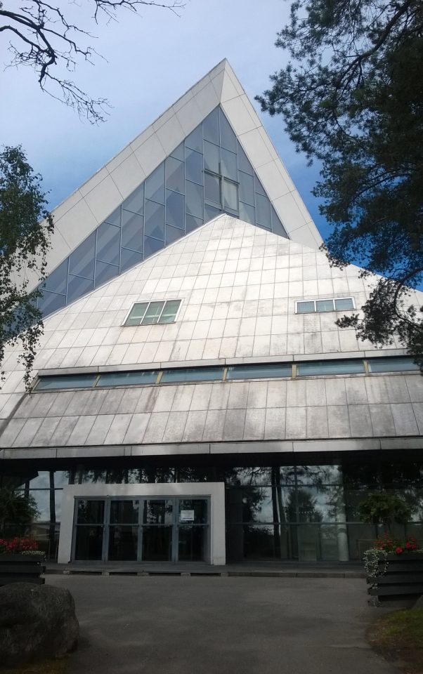 Main entrance, Hyvinkää Church