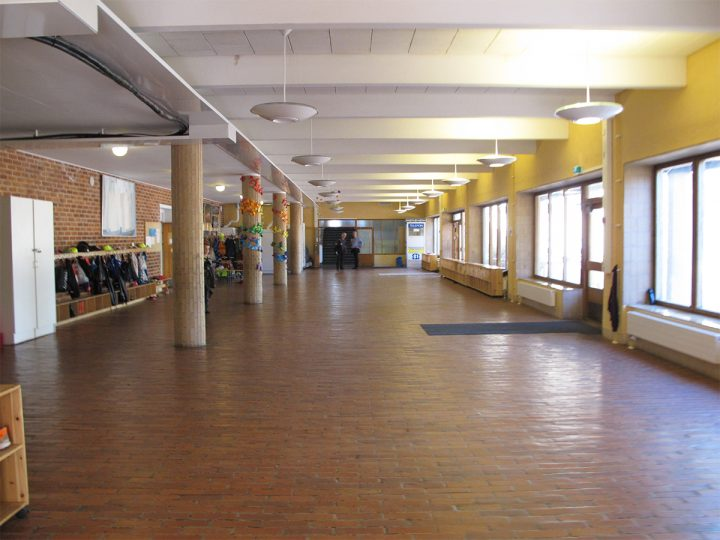 Brick-floored entrance hall, Mariehamn Övernäs Primary School