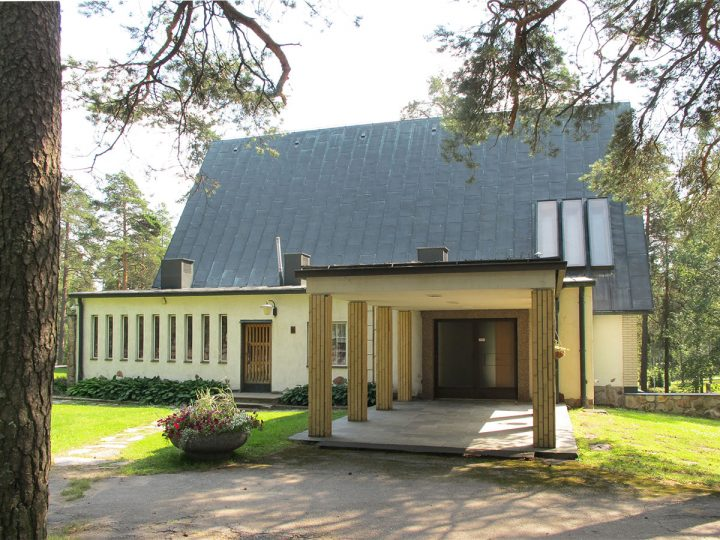 Colonnade on the escort route, Ristikangas Funerary Chapel