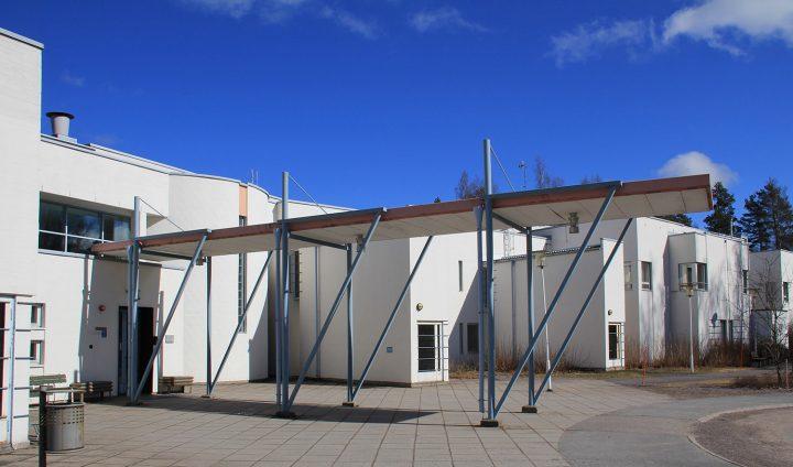 Main entrance, Hausjärvi Healthcare Centre and Home for Elderly