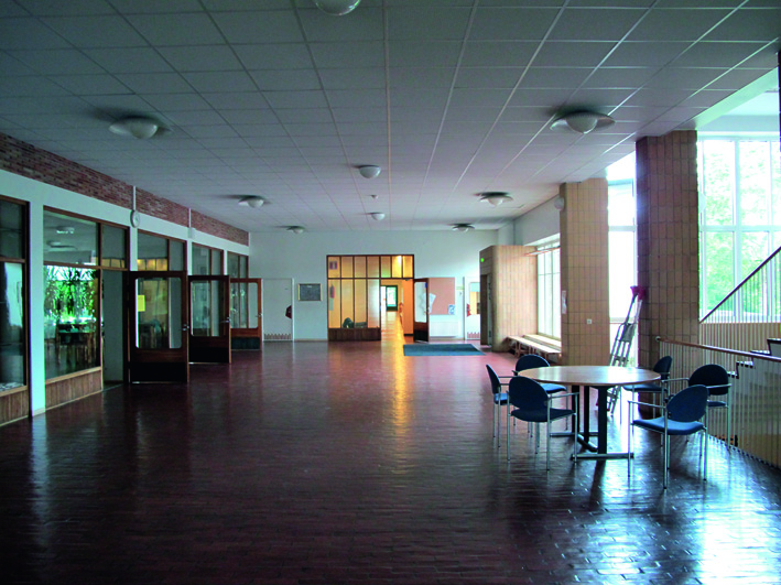 Entrance hall, Malm primary school