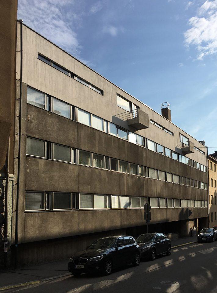 Street façade, Merimiehenkatu Housing