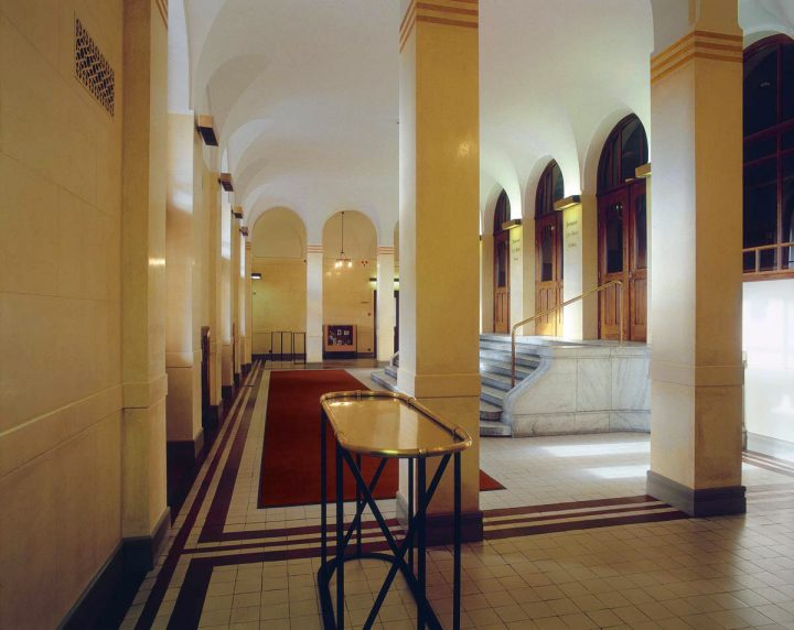 Entrance hall in 2002, Finnish National Theatre