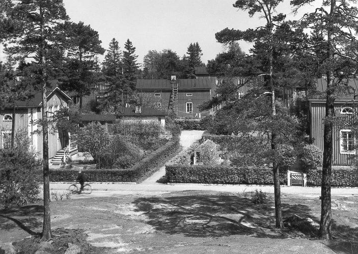Street view of the wooden house area, Puu-Käpylä Wooden House Area
