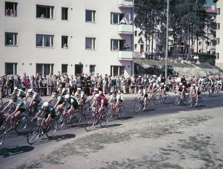 Road race of the Olympic Games 1952 at the intersection of Käpyläntie and Koskelantie, Olympic Village