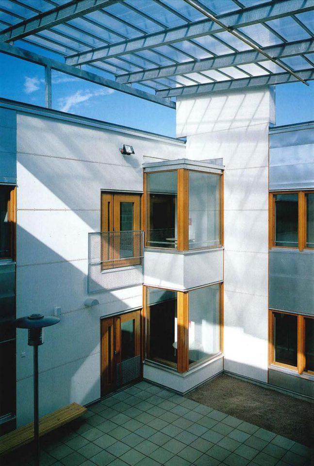 Atrium, Pukinmäenkaari School