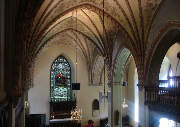 Neo-Gothic details in the interior, St. Lawrence Church