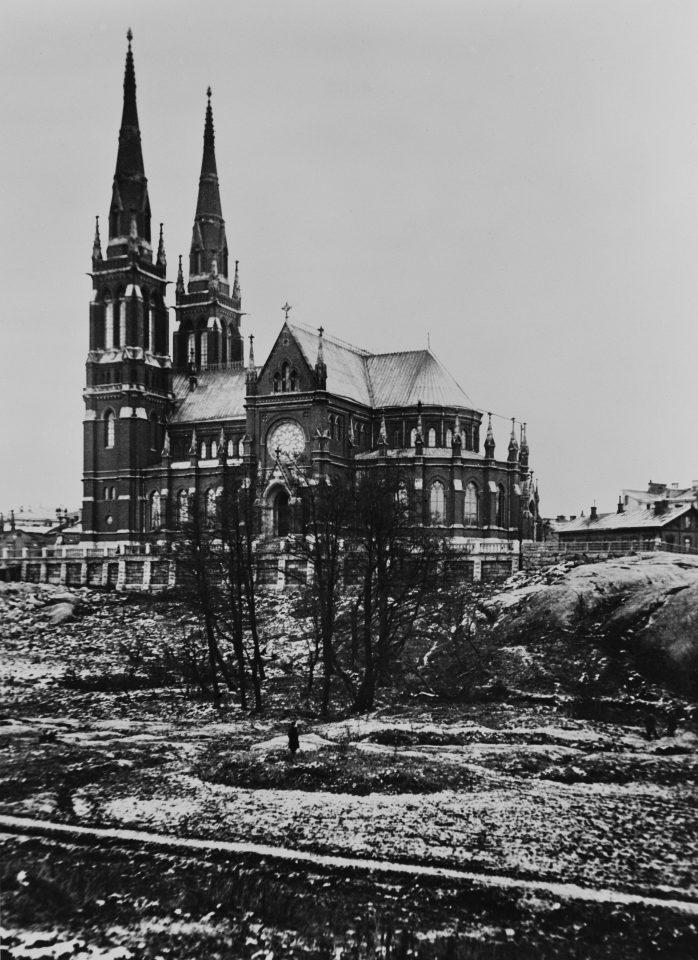 The church photographed in 1914, St. John's Church