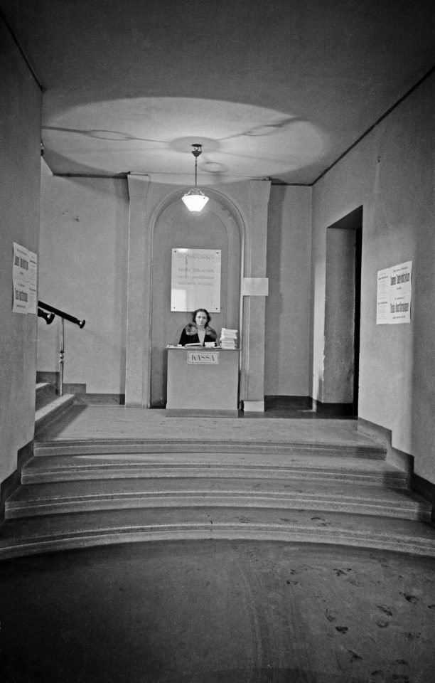 The entrance hall in 1946, Kunsthalle Helsinki
