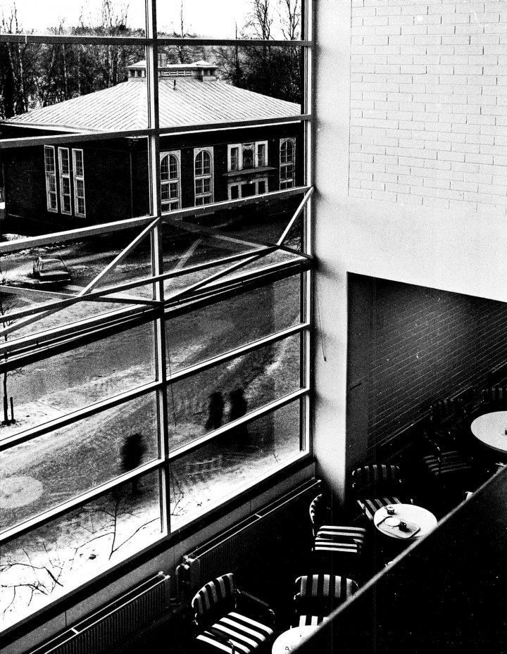View from the 1st floor to Seminaarinkatu and Lounaispuisto , University of Jyväskylä Library