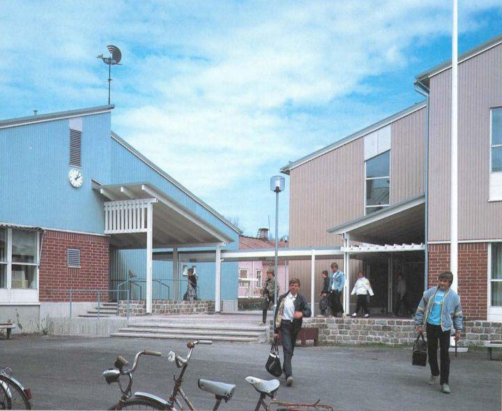 Entrance yard, Hangö Gymnasium and Hangö Högstadium