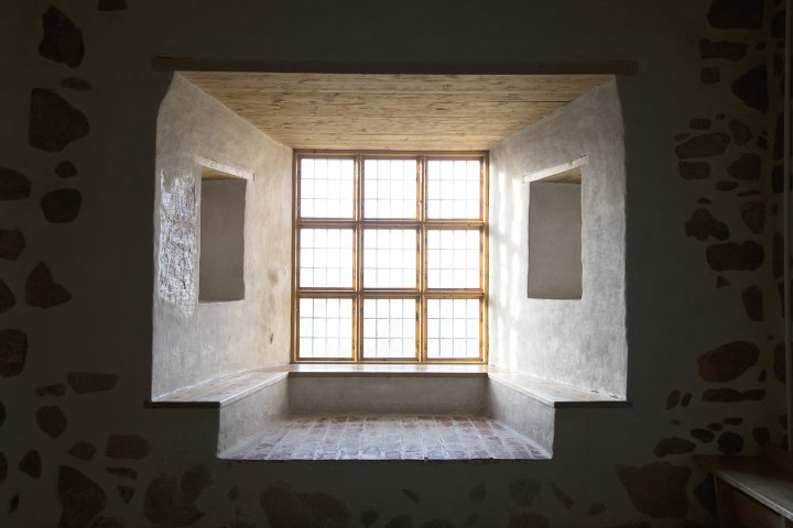 Window niches with benches, hand-hewn wooden parts and antique glass window panes., Turku Castle