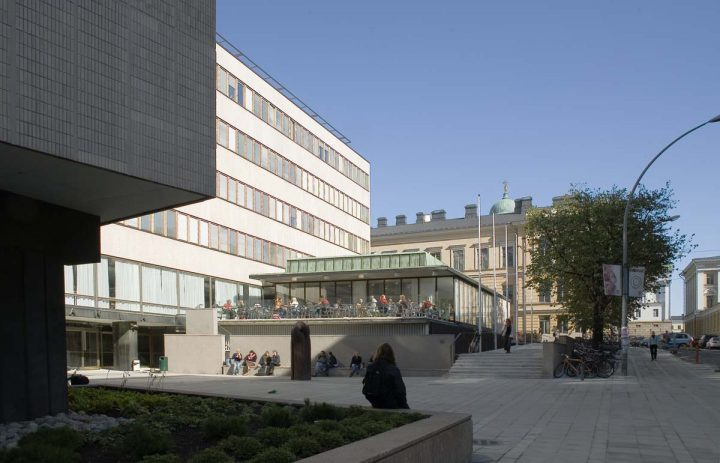 View towards student restaurant, main entrance to the left, Helsinki University Porthania Building