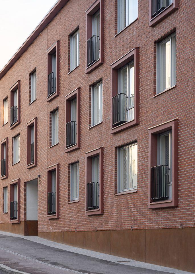 Street façade, Heka Koirasaarentie 36 Affordable Housing