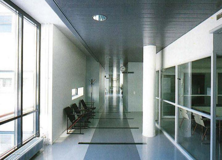 Longitudinal main corridor, Government Office Building