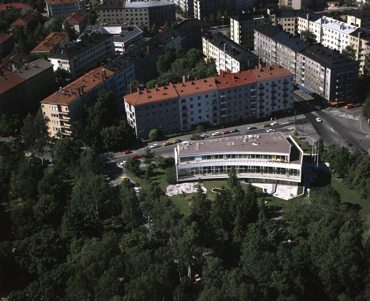 Aerial view in 1976, Töölö Library