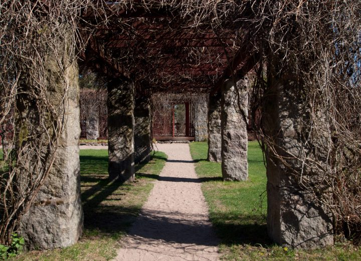 Pergola in the courtyard, Hvitträsk