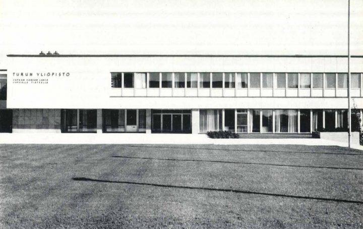 Main building, west elevation, University of Turku Main Campus