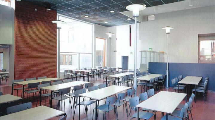Dining area, Pukinmäenkaari School