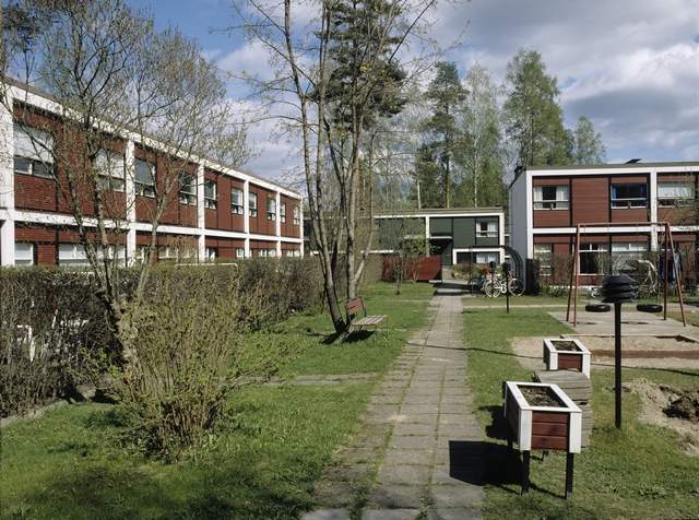 Courtyard view from one of the housing blocks, Kortepohja Residential Area
