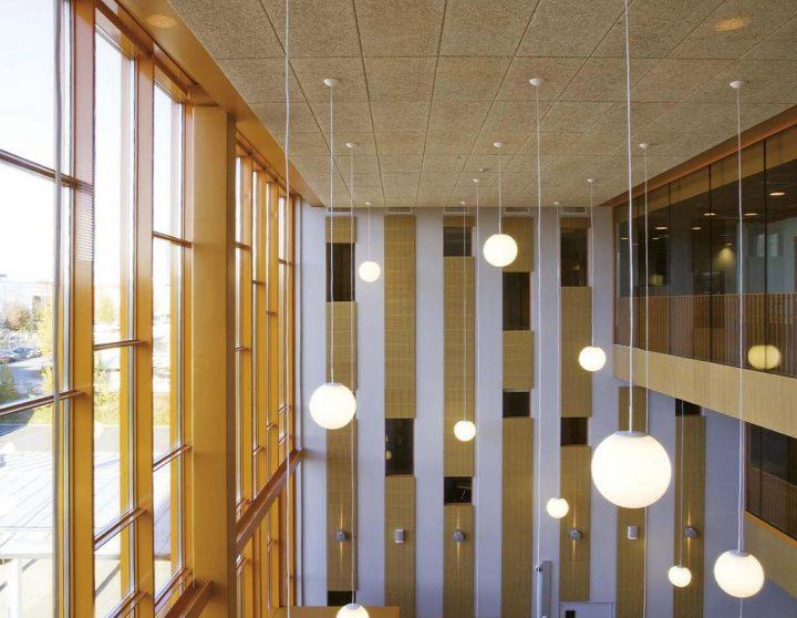 Main hall, Tervaväylä School, Lohipato Unit