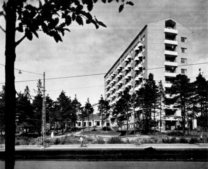 View from Mannerheimintie, Women's Co-housing Asuntoyhteistalo